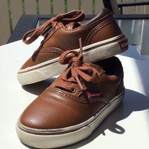 Levi's brown leather boys sneaker SZ 8